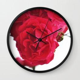 Chanson des roses Wall Clock