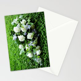 Bouquet In The Grass Stationery Cards