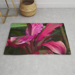 Vibrant Tropical Rainforest Jungle Leaves in Magenta-Pink Rug