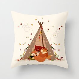 Sieste automnale Throw Pillow