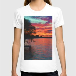 Sunset on Lake St. Clair in Belle River, Ontario, Canada T-shirt