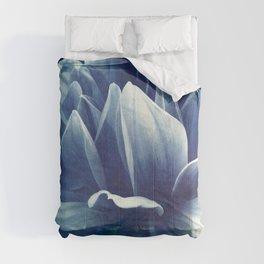 blue dahlia Comforters