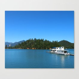 Houseboats On Lake Shasta Canvas Print