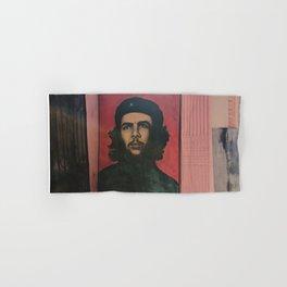 Che Guevara In A Havana Doorway Hand & Bath Towel