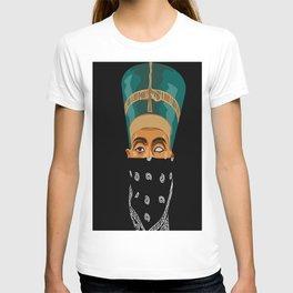 Queen Nef T-shirt