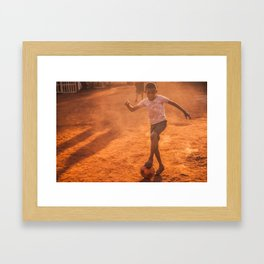 El fútbol a sol y sombra / Football in sun & shadow Framed Art Print