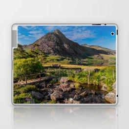 Tryfan Mountain Valley Laptop & iPad Skin