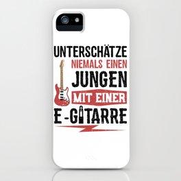 Unterschätze Niemals Einen Jungen Mit Einer E-Gitarre iPhone Case