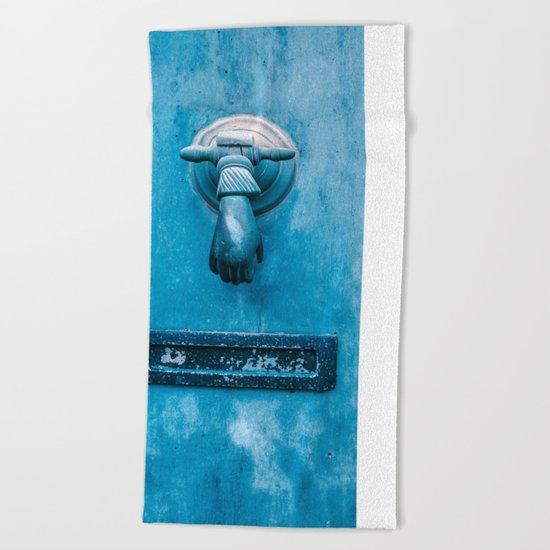 Blue Doorknocker Beach Towel
