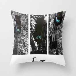 cycle to the city Throw Pillow