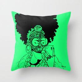 SELFIE QUEEN 1 POSH GREEN Throw Pillow