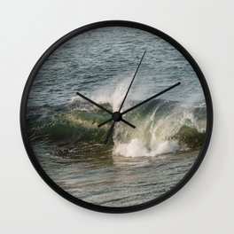 Wave at Bearskinneck Wall Clock