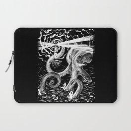 Octopus shines a beacon Laptop Sleeve