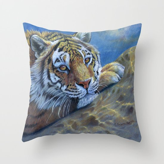 Tiger on the rock CC117 Throw Pillow