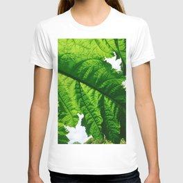 Torn Large Leaf Green Leaf T-shirt