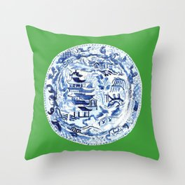 CHINOISERIE PLATE ON EMERALD Throw Pillow