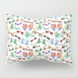 Funny insects falling in love posing for a pattern design Pillow Sham