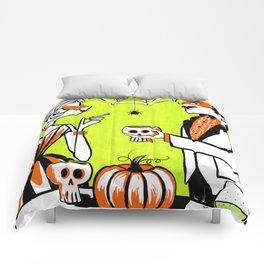 The Swankiest Halloween Party Comforters