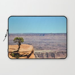 Solitary Juniper Tree, Dead Horse State Park Laptop Sleeve