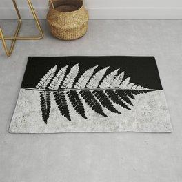 Natural Outlines - Fern Black & Concrete #100 Rug