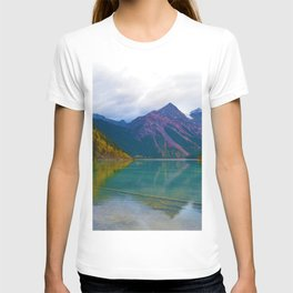 Kinney Lake in Mount Robson Provincial Park, BC / Canada T-shirt