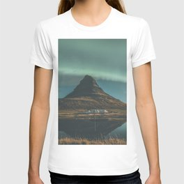 Kirkjufell, Iceland T-shirt
