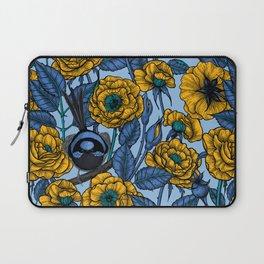 Wren in the roses  Laptop Sleeve