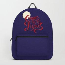 Omnis vir lupus Backpack