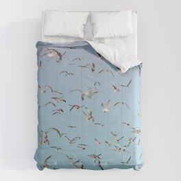 Brooklyn working gulls Comforters
