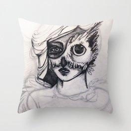 Night Mask (masque de nuit) Throw Pillow