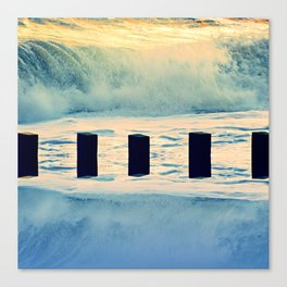 Surf breaker Canvas Print