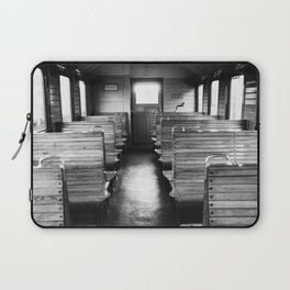 Old train compartment - Altes Zugabteil Laptop Sleeve