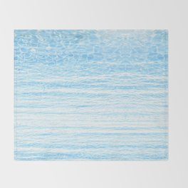peaceful sea Throw Blanket