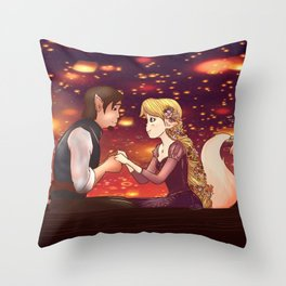 Raiponce Throw Pillow