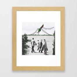 Le moustique Framed Art Print