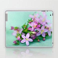 Happy little things  Laptop & iPad Skin