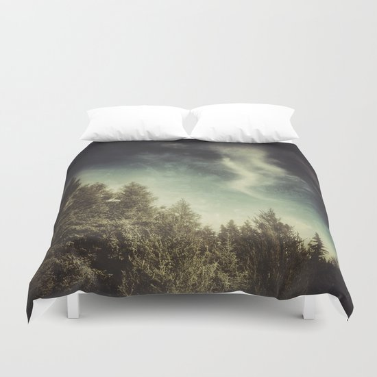 SPIRITS OF THE NORTH WOODS Duvet Cover