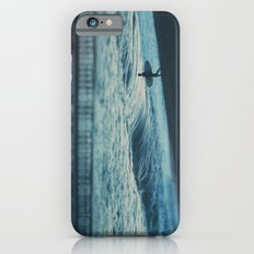 the lone surfer ... iPhone 6s Slim Case
