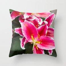 Lys #3 Throw Pillow