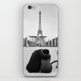 Paris Lovers iPhone Skin
