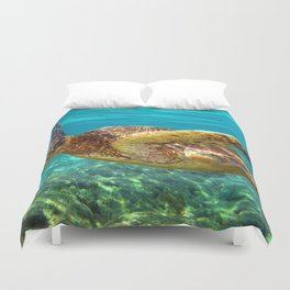 Green Sea Turtle swimming in Hawaii Duvet Cover