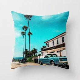 California dreaming x Throw Pillow