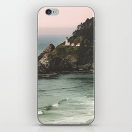 Pacific Northwest Grandeur - Heceda Lighthouse iPhone Skin