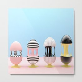 Los huevos y la gravedad Metal Print