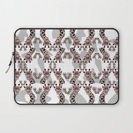 Giraffe Pattern Laptop Sleeve