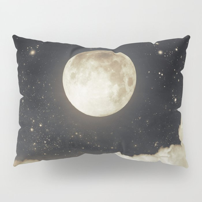 Touch of the moon I Pillow Sham