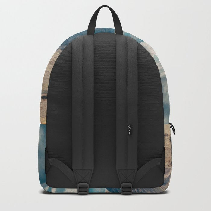 Man front of the mountain Backpack