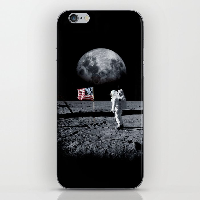 The Great Conspiracy: The Moon Is a Lie iPhone Skin