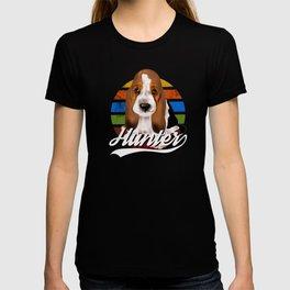 Cute basset hound hunter puppy,retro background tshirt  T-shirt