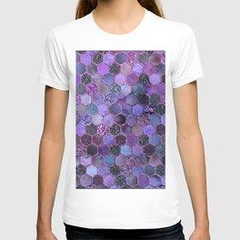 Purple geometric hexagonal elegant & luxury pattern T-shirt